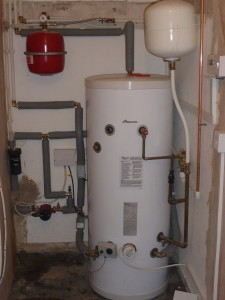 Unvented water cylinder